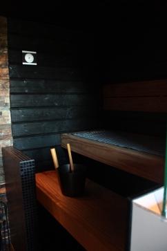 6 sauna tumma lankkulaude
